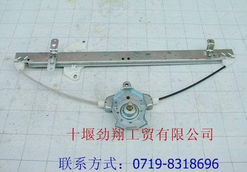 东风天龙大力神左车门玻璃升降器(手动)6104010-c0100
