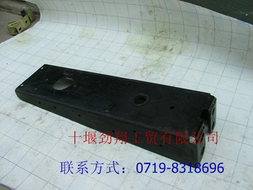 东风天龙平板车尾灯支架总成3716111 k0300 东风天龙平板高清图片