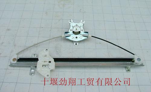 东风天龙,大力神右车门玻璃升降器(手动)6104020-c0100