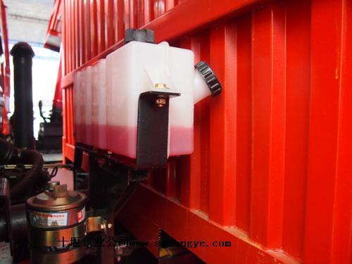 膨胀水箱的工作原理及作用十堰东业汽车零部件有限公司高清图片